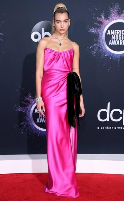 Thảm đỏ American Music Awards 2019: Selena Gomez tái xuất với vòng 1 căng đầy chặt chém dàn mỹ nhân Hollywood - Ảnh 14.