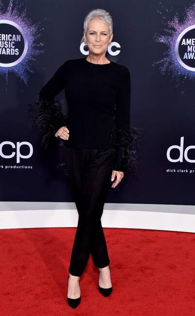 Thảm đỏ American Music Awards 2019: Selena Gomez tái xuất với vòng 1 căng đầy chặt chém dàn mỹ nhân Hollywood - Ảnh 16.