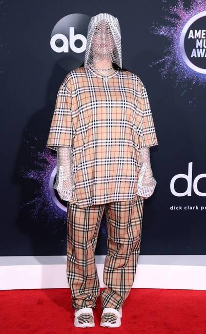 Thảm đỏ American Music Awards 2019: Selena Gomez tái xuất với vòng 1 căng đầy chặt chém dàn mỹ nhân Hollywood - Ảnh 22.