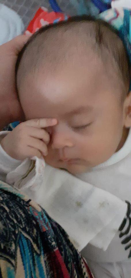 Bà mẹ lầy lội đặt caption cho từng dáng ngủ của con khiến ai nấy cười tít mắt vì quá đáng yêu - Ảnh 11.