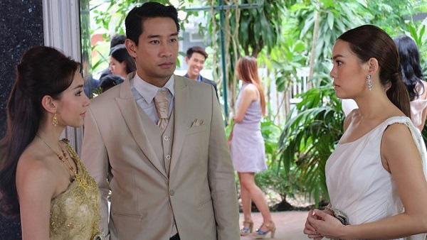 Đến đám cưới người yêu cũ, tôi nâng ly chúc mừng anh ta, tiện thể ghé tai cô dâu thì thầm: Chồng cô bị vô sinh, cô biết rồi chứ? - Ảnh 2.