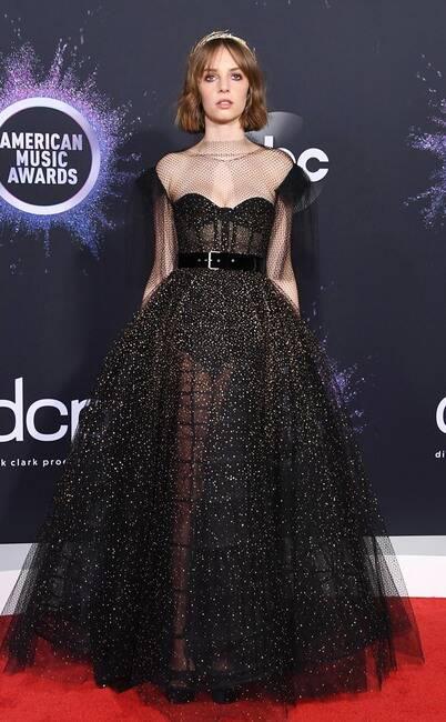 Thảm đỏ American Music Awards 2019: Selena Gomez tái xuất với vòng 1 căng đầy chặt chém dàn mỹ nhân Hollywood - Ảnh 25.