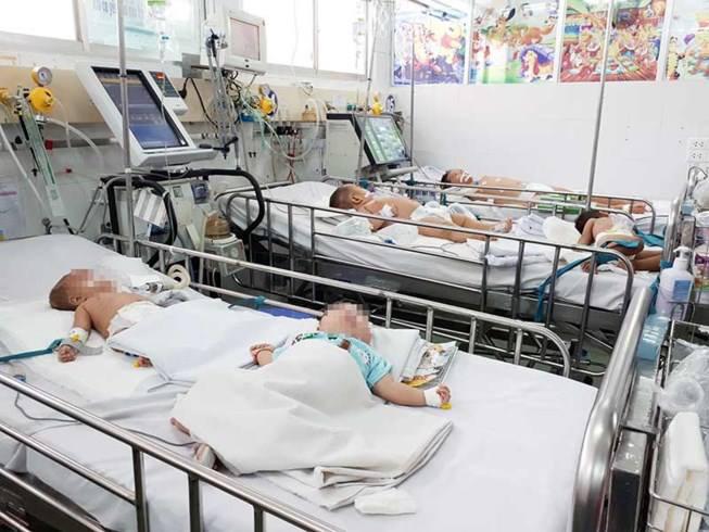 Thói quen chết người người lớn vẫn vô ý thực hiện hàng ngày có thể khiến trẻ rước bệnh - Ảnh 1.
