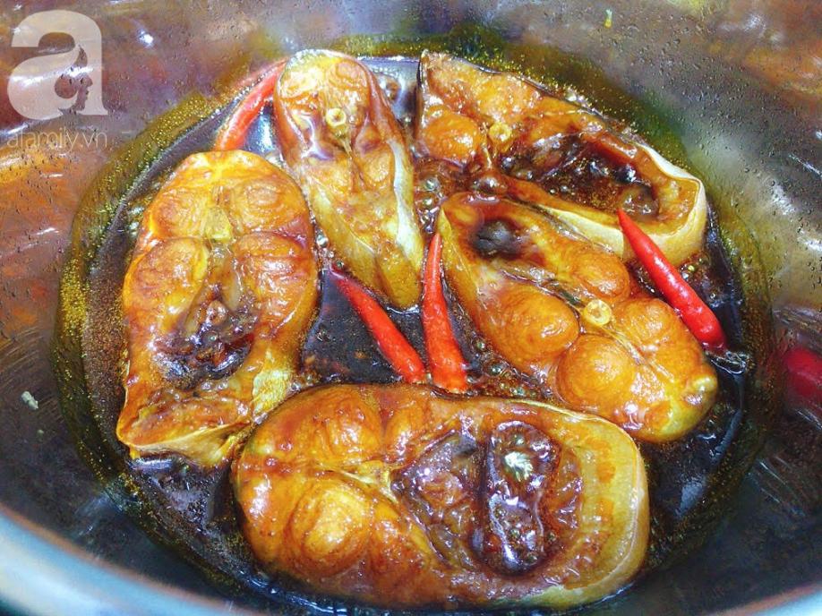Món cá hú kho tiêu - Ảnh 4.