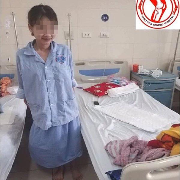 Lần đầu tiên tại Việt Nam: Thay khớp gối thành công cho nữ sinh 16 tuổi mắc bệnh ung thư xương - Ảnh 2.