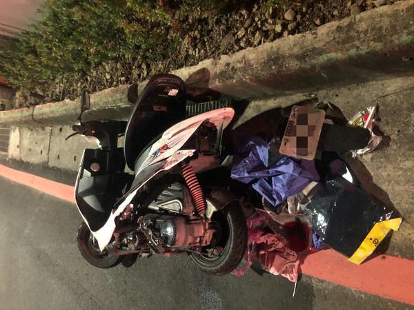 Chạy về nhà chăm sóc mẹ già 70 tuổi, người đàn ông bị biển chỉ dẫn nặng 900kg đè lên người gây tử vong tại chỗ - Ảnh 2.