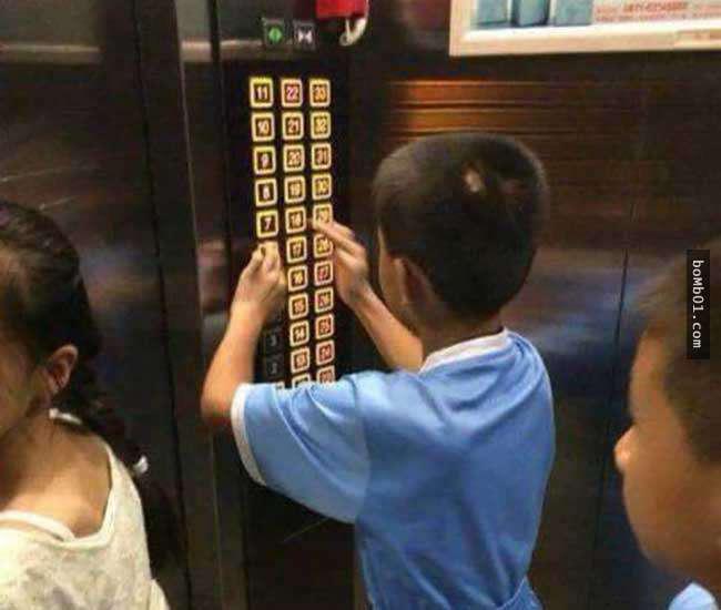Con nghịch ngợm bấm hết các nút trong thang máy khiến mọi người tức giận, mẹ nói 1 câu khiến ai cũng dịu lại, còn động viên ngược đứa trẻ - Ảnh 2.