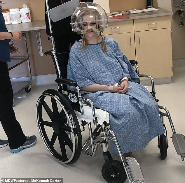 """Đau nửa đầu kéo dài tưởng chỉ bị cúm, cô gái trẻ ngã ngửa khi biết mình đã bị ung thư """"ăn"""" cả vào gan, phổi, xương... - Ảnh 1."""