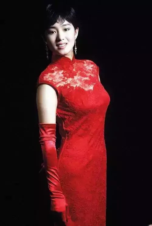 """Nhìn lại loạt ảnh tuổi 20 của Củng Lợi, người từng được giới báo chí nước ngoài gọi là """"người phụ nữ đẹp nhất phương Đông"""" - Ảnh 4."""