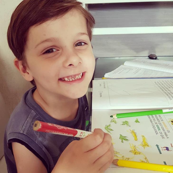 Cậu bé từng bị đánh giá là chậm nói nhưng 7 tuổi đã thành thạo 9 thứ tiếng - Ảnh 3.