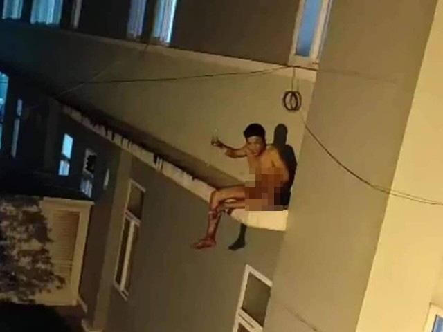 Lý do khiến người đàn ông nhiều lần đòi nhảy xuống từ nóc bệnh viện - Ảnh 3.