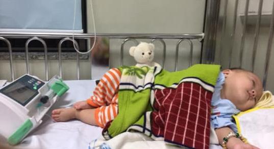 """Nhật ký 1 năm nuôi con sinh non nặng 1,3kg, đi """"nghỉ dưỡng"""" ở viện nhiều hơn ở nhà của mẹ Nghệ An - Ảnh 9."""