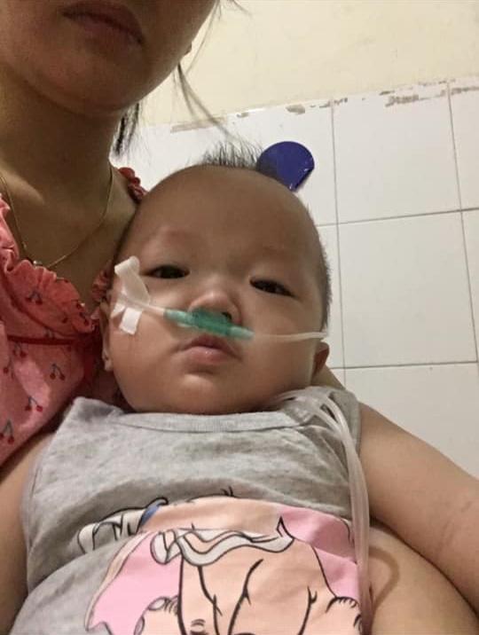 """Nhật ký 1 năm nuôi con sinh non nặng 1,3kg, đi """"nghỉ dưỡng"""" ở viện nhiều hơn ở nhà của mẹ Nghệ An - Ảnh 10."""
