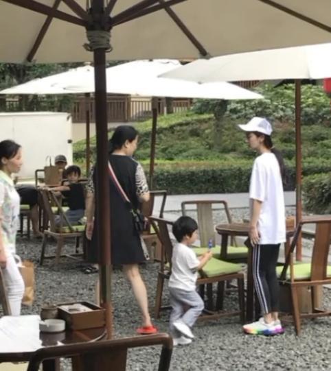 """Con trai Huỳnh Hiểu Minh gọi điện cổ vũ Angelababy: """"Mẹ thật lợi hại. Cố gắng kiếm tiền nha"""" - Ảnh 6."""