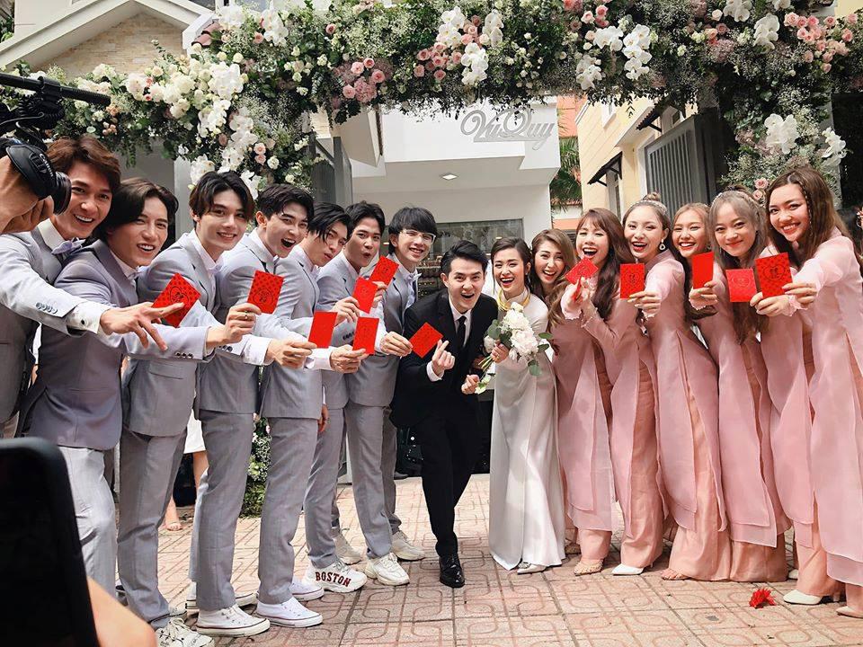 Dàn phù dâu - phù rể đám cưới Đông Nhi và Ông Cao Thắng Marry