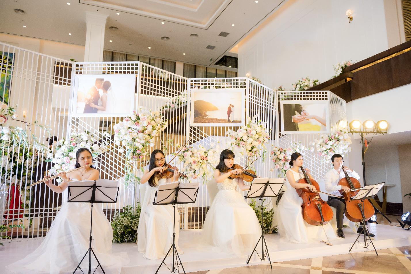 Không gian tiệc cưới như cổ tích tại FLC Hạ Long- Khách sạn Hội nghị hàng đầu châu Á - Ảnh 6.