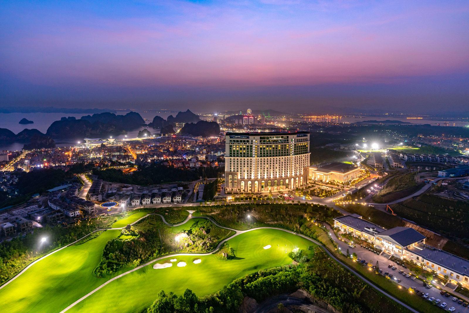 Không gian tiệc cưới như cổ tích tại FLC Hạ Long- Khách sạn Hội nghị hàng đầu châu Á - Ảnh 7.