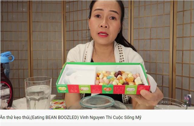 Vinh Nguyễn Thị - vlogger dũng cảm nhất giới Youtube: Sẵn sàng thử các loại đồ ăn thối nhất, chuyên gia ăn ớt thử độ bền của lưỡi - Ảnh 2.