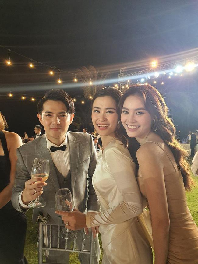 """Đi đám cưới trễ, Ninh Dương Lan Ngọc """"bung lụa"""" nhảy tưng bừng cùng Trịnh Thăng Bình mừng hạnh phúc Đông Nhi - Ông Cao Thắng  - Ảnh 2."""