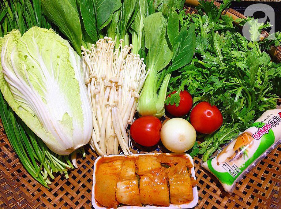Món ngon cuối tuần: Lẩu kim chi - Ảnh 1.