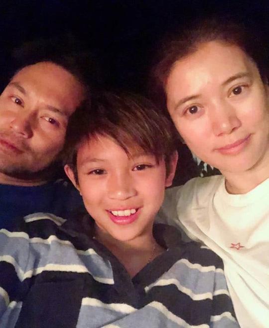 Mới bước sáng tuổi 13, quý tử nhà Hoa hậu Hong Kong Viên Vịnh Nghi và ông xã Trương Trí Lâm đã dính tin đồn tình ái - Ảnh 5.