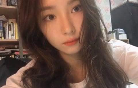 """Nữ diễn viên bị ghét nhất """"Gia đình là số 1"""" Shin Se Kyung lộ nhan sắc thật qua loạt ảnh chụp bằng camera thường - Ảnh 2."""