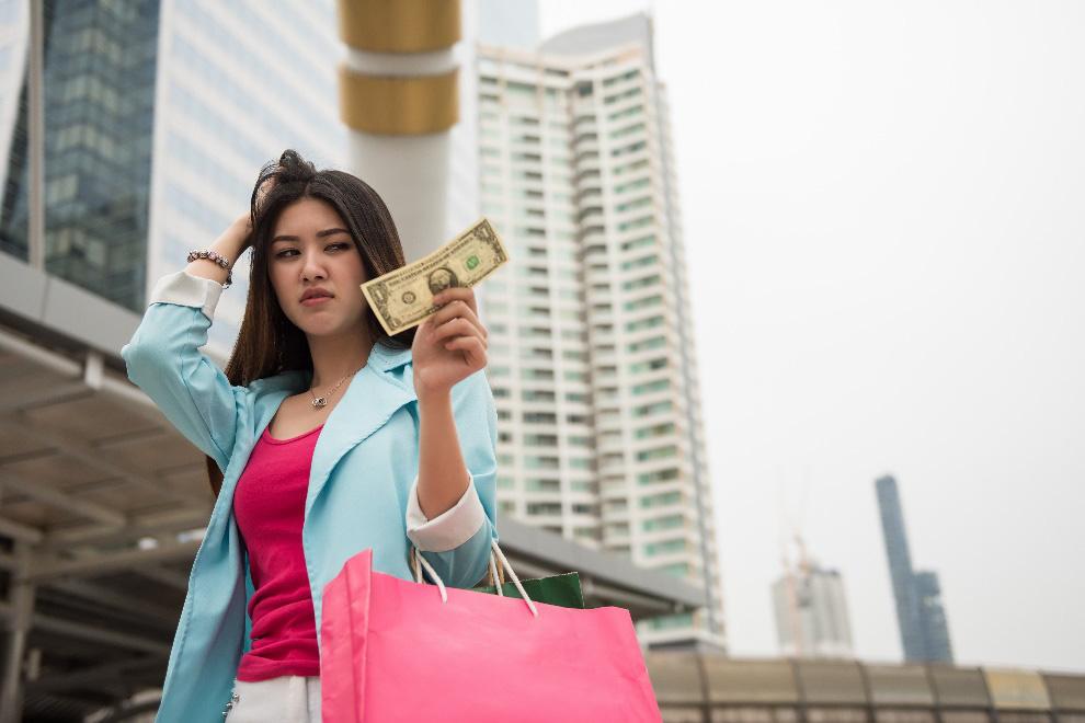 Nhiều phụ nữ Việt tiêu tốn hàng chục triệu để trẻ hóa nhưng không thành - Ảnh 4.
