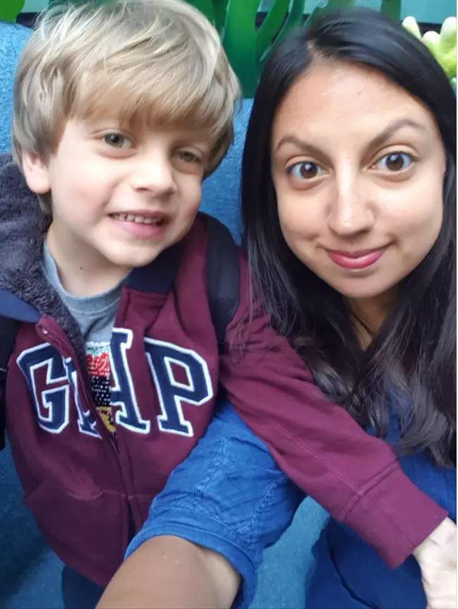 Nhờ dấu hiệu lạ trong tấm ảnh chụp con trai, cha mẹ đau đớn khi biết điều khủng khiếp sắp xảy đến với bé - Ảnh 4.