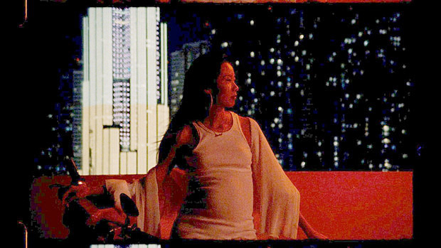Cư dân mạng xúc động, cảm phục nữ ca sĩ Suboi với hình ảnh làm mẹ tuyệt đẹp trong MV mới: Ngầu như bà bầu là có thật! - Ảnh 3.