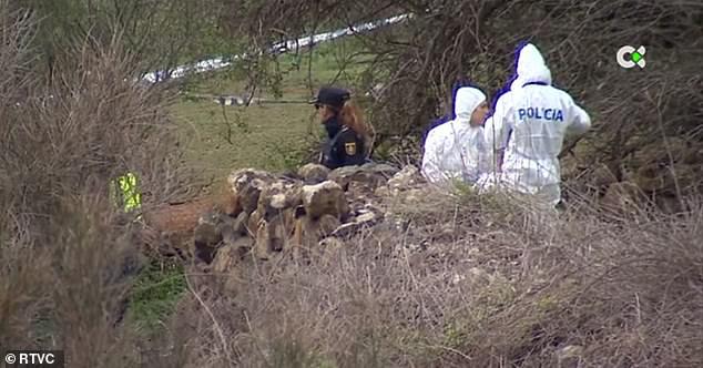 Cái chết bí ẩn của người đàn ông giữa cánh đồng với những vết thương khủng khiếp được gây ra một phần bởi chó săn - Ảnh 2.