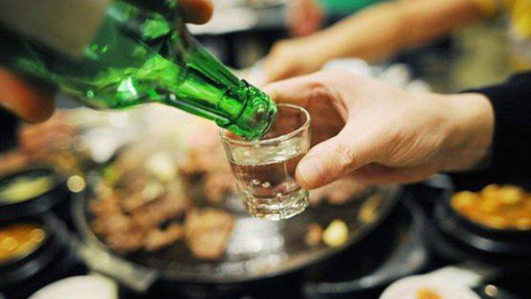 """""""Không có ngưỡng an toàn khi uống rượu bia, càng uống sẽ càng ung thư"""" – Nghiên cứu tại đại học Harvard khẳng định - Ảnh 1."""