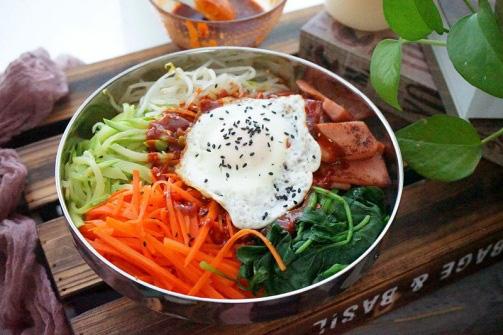 Bữa trưa ngon miệng cùng cơm trộn kiểu Hàn - Ảnh 4.