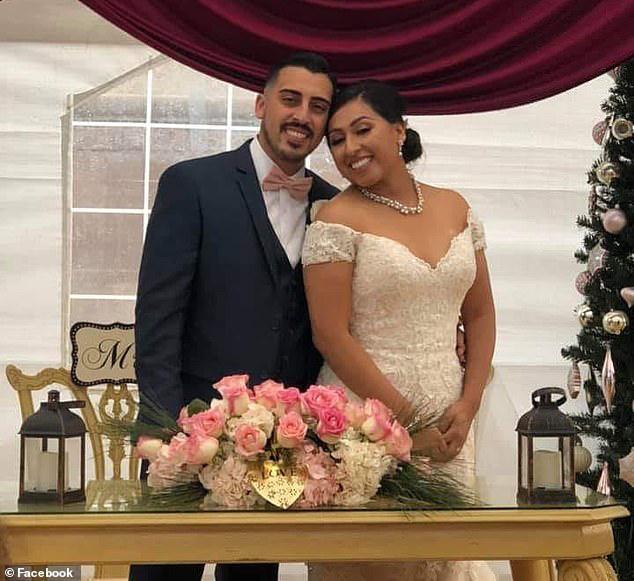 Chụp bức hình hạnh phúc bên cô dâu, chú rể không ngờ bi kịch ập đến ngay sau đó, chưa kịp hưởng trọn đêm tân hôn - Ảnh 1.
