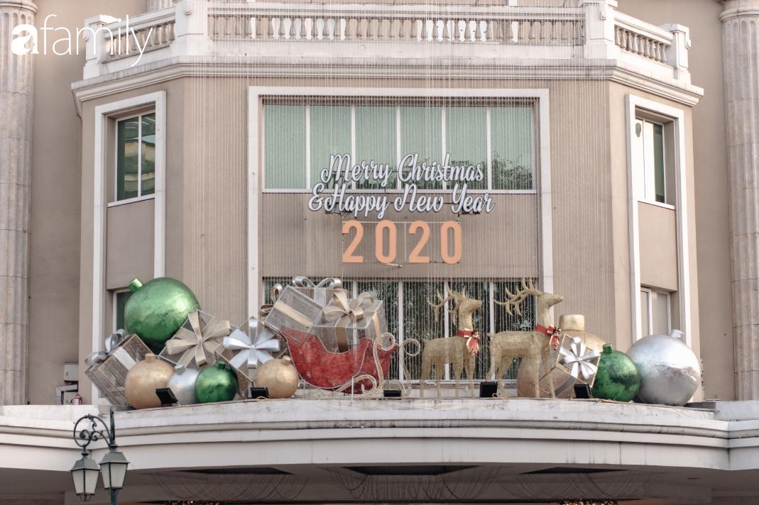 """Noel 2019 cận kề, loạt địa chỉ trang trí hoành tráng như nhà thờ Lớn, trung tâm thương mại sẽ là gợi ý """"sống ảo"""" cực xịn cho hội chị em Hà Nội - Ảnh 13."""
