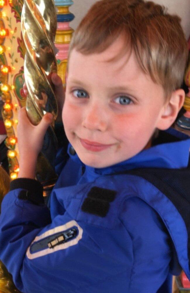 Bà mẹ trở tay không kịp khi con trai 6 tuổi tử vong vì bệnh viêm màng não chỉ sau 24 giờ phát bệnh - Ảnh 1.