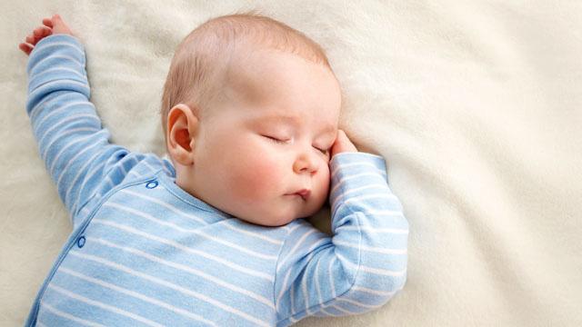 """10 cha mẹ thì đến 9 người không biết """"phản xạ đấu kiếm"""" là gì và những bí mật đằng sau phản xạ này ở trẻ sơ sinh - Ảnh 3."""