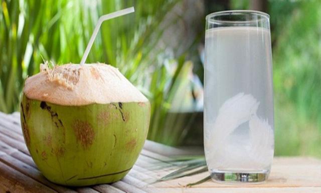 """Nước dừa giúp phụ nữ """"hồi xuân"""" và bất chấp hết bệnh tật nhưng đừng dại uống vào 5 """"thời điểm độc"""" này mà hại thân - Ảnh 6."""