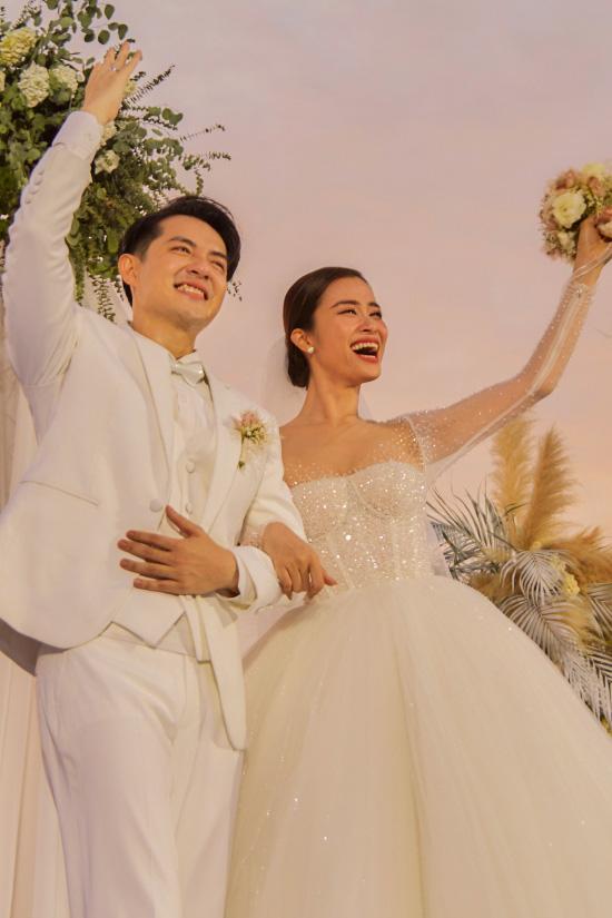 """Năm 2019 """"đổi đời"""" của sao Việt: Người tên tuổi """"vụt sáng"""" không kịp cản, người viên mãn hôn nhân đến ghen tị - Ảnh 4."""