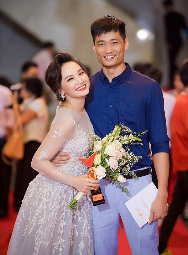 """Năm 2019 """"đổi đời"""" của sao Việt: Người tên tuổi """"vụt sáng"""" không kịp cản, người viên mãn hôn nhân đến ghen tị - Ảnh 9."""