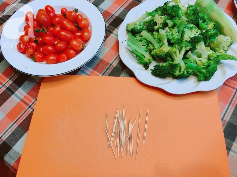 Dùng rau củ làm cây thông Noel trên bàn ăn mang không khí Giáng sinh về nhà - Ảnh 2.