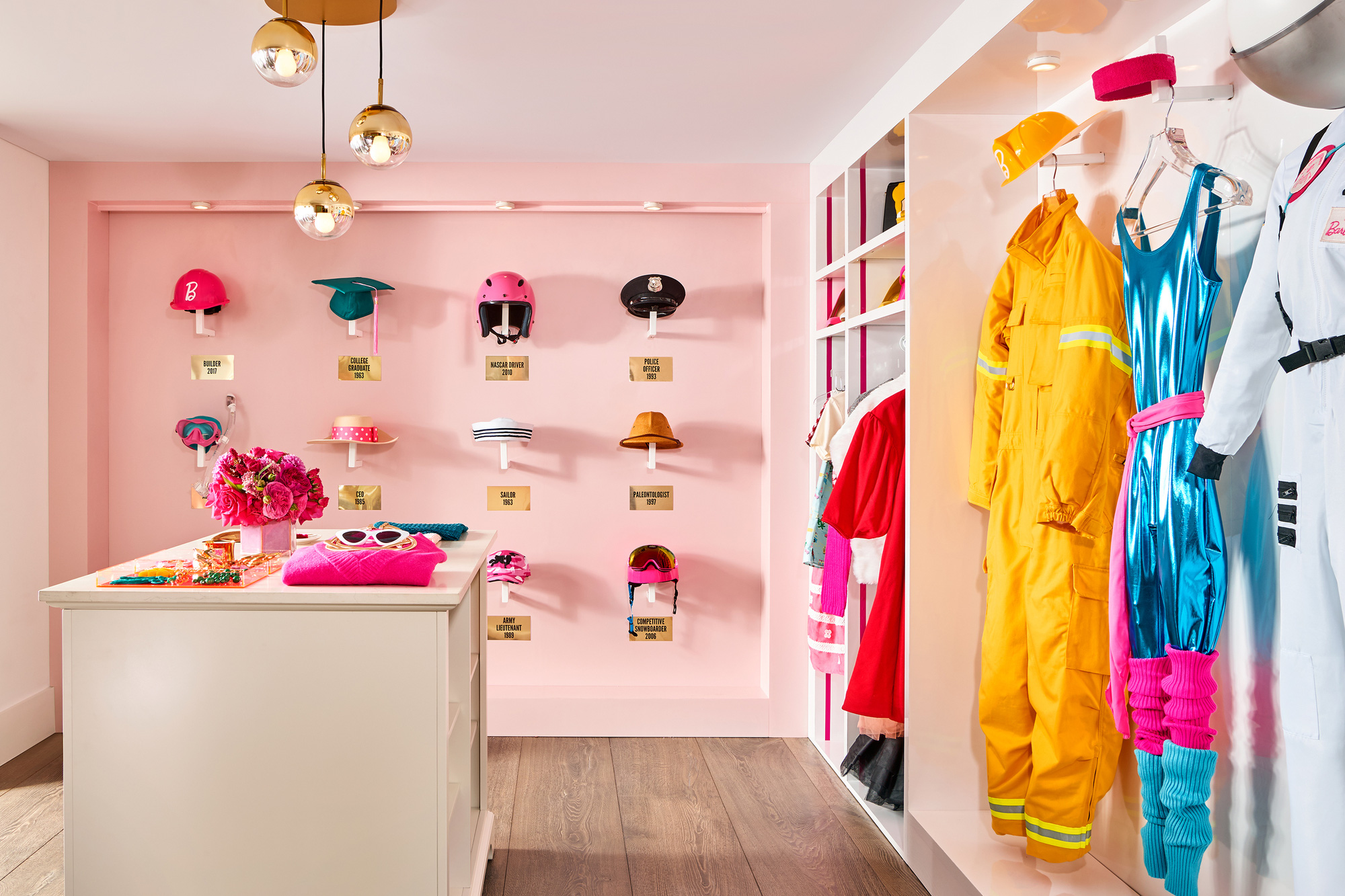 Ngôi nhà búp bê Barbie phiên bản hàng thật với giá 1,3 triệu/đêm, các cô gái nhanh tay xách vali lên nào - Ảnh 13.