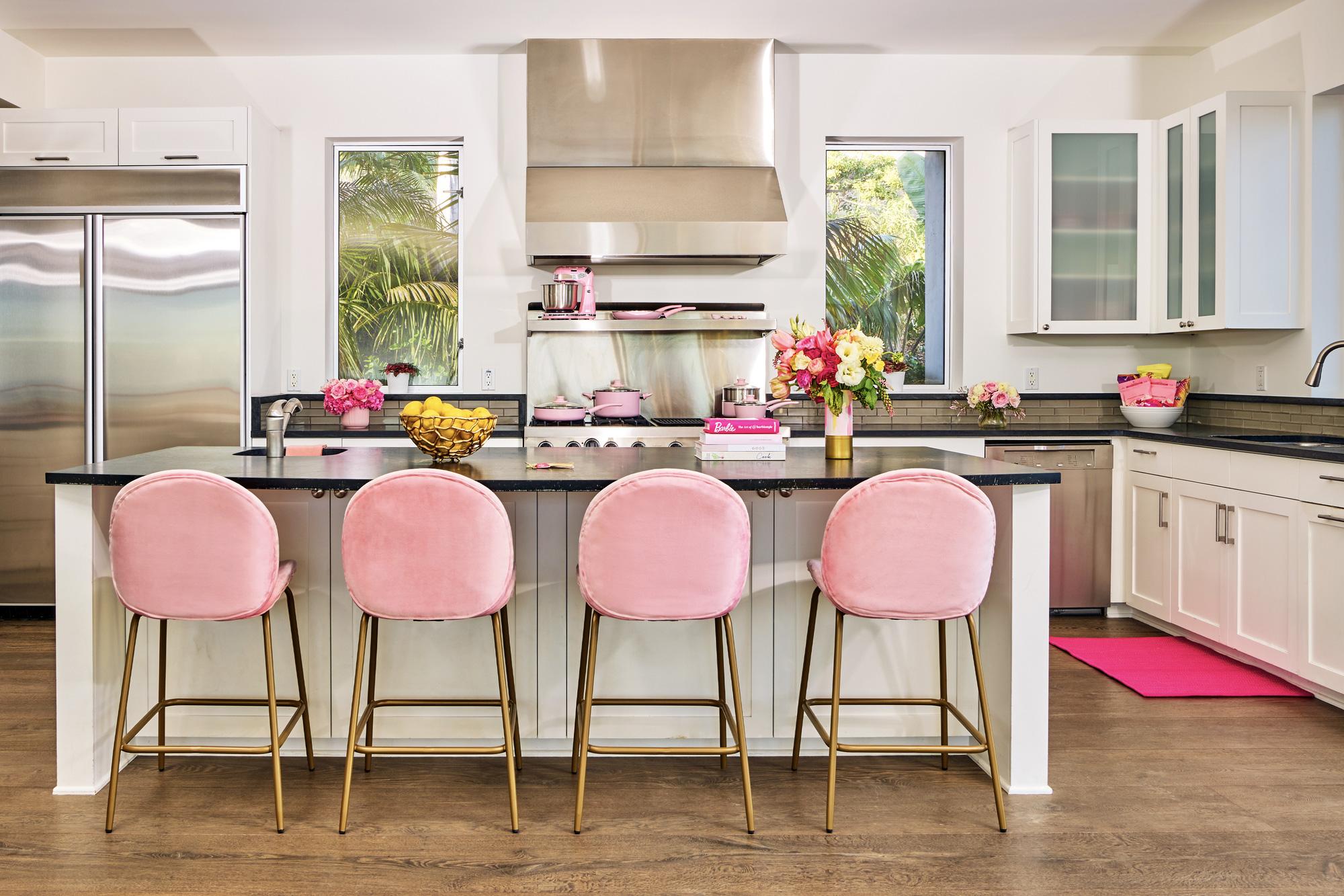 Ngôi nhà búp bê Barbie phiên bản hàng thật với giá 1,3 triệu/đêm, các cô gái nhanh tay xách vali lên nào - Ảnh 7.