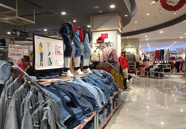 Thất vọng Aeon Mall Hà Đông, khai trương rồi hàng đóng cửa im lìm - Ảnh 7.
