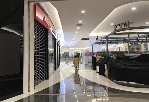 Thất vọng Aeon Mall Hà Đông, khai trương rồi hàng đóng cửa im lìm - Ảnh 5.