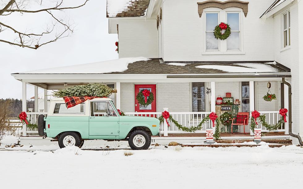 Hiên nhà xinh đẹp đón khách nhờ những ý tưởng decor độc đáo mùa Giáng sinh