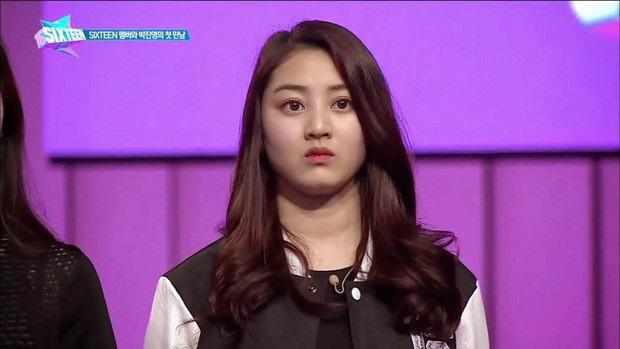 Hệ quả của Jihyo (TWICE) khi cặp kè với Kang Daniel: Bị antifan ném đá, đến khi rộ tin chia tay phải òa khóc vì quá áp lực - Ảnh 10.
