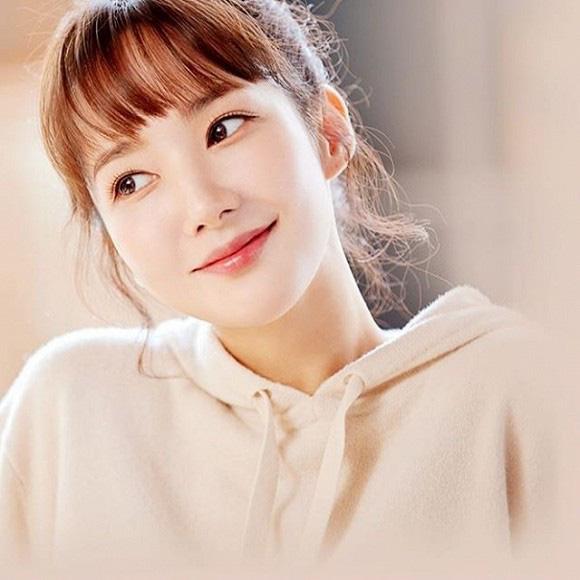 """""""Tình cũ Lee Min Ho"""" Park Min Young tiếp tục đốn tim người hâm mộ với loạt ảnh khoe nhan sắc đỉnh cao cùng vòng 2 quyến rũ - Ảnh 5."""