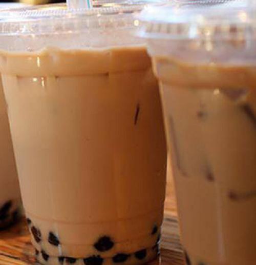 Vụ em họ đầu độc chị bằng trà sữa vì yêu anh rể ở Thái Bình: Khởi tố bị can Lại Thị Kiều Trang - Ảnh 3.