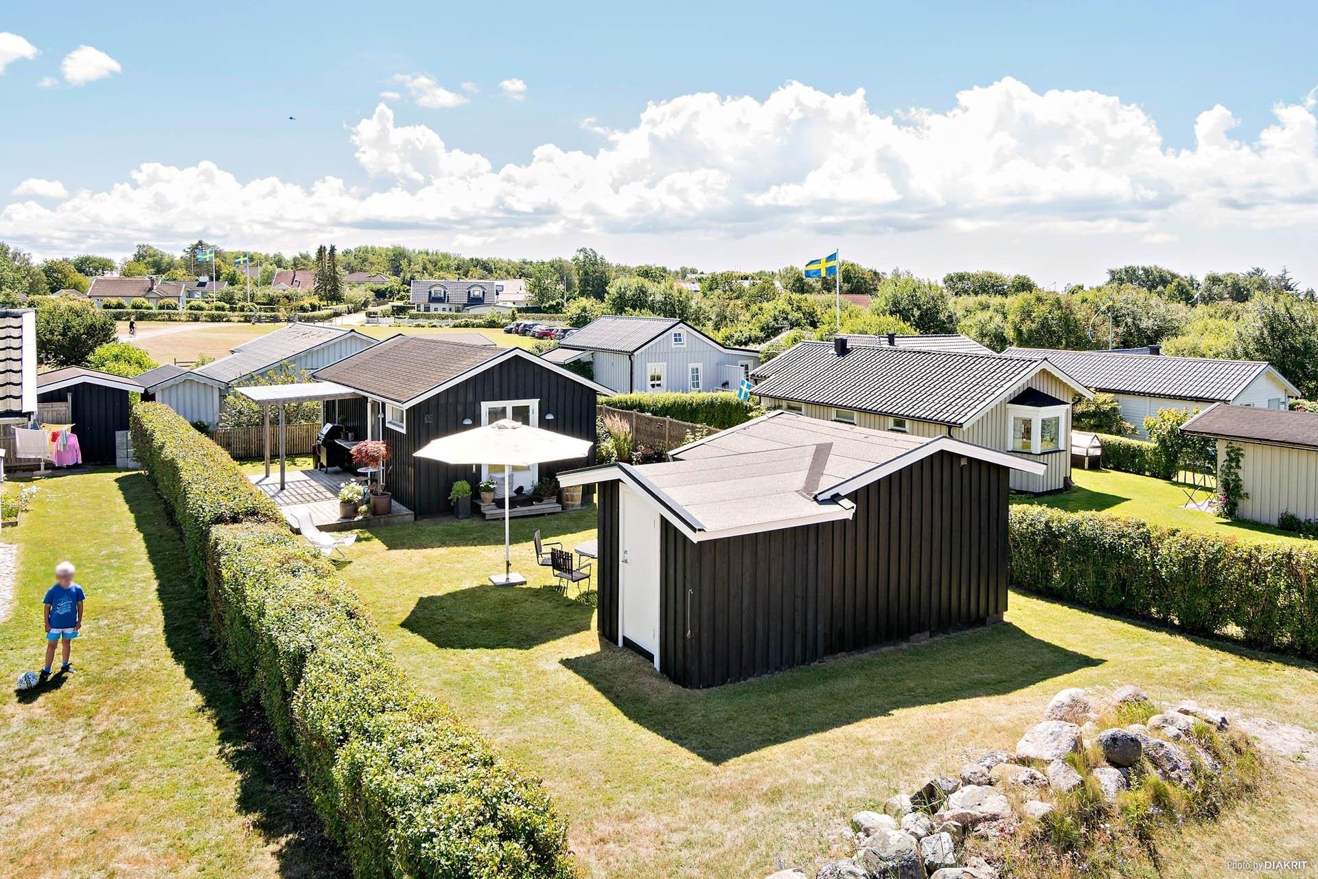 Ngôi nhà 45m2 tọa lạc trên thảm cỏ xanh mượt với không gian sống trong lành ai nhìn cũng thích - Ảnh 2.