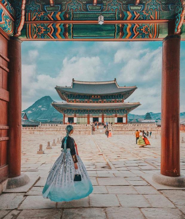 Nữ blogger du lịch kiếm được tiền tỷ trong năm 2019 và lọt top những người có sức ảnh hưởng trên Instagram bằng việc đăng ảnh - Ảnh 3.
